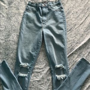 Fashion nova jeans size 3